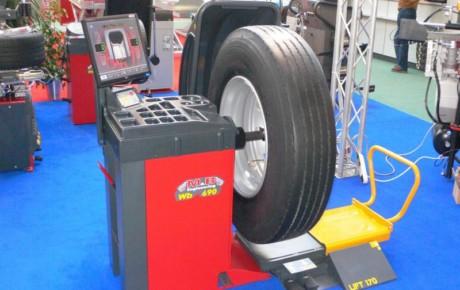 Балансировочный станок для грузовых авто M&B WB690